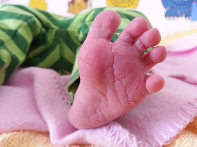 pies bebé