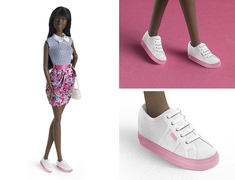 mejor sitio web ae858 f4c3c Barbie se baja de los tacones y se pone zapatillas Victoria ...
