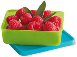 Prepararse para las rebajas: tupper con fruta