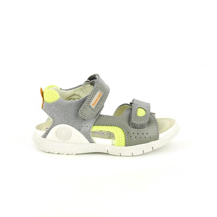 colección de zapatos de primavera / sandalias biomecanics grises y verdes de piel