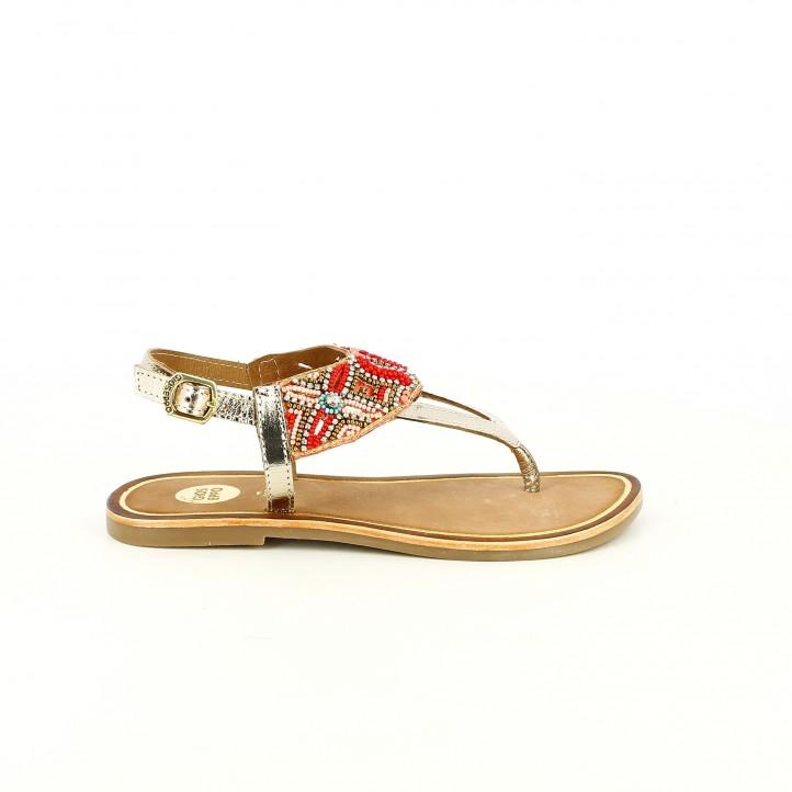 colección de zapatos de primavera / sandalias gioseppo metalizadas con flores rojas