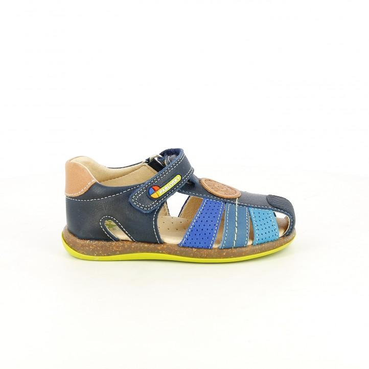 colección de zapatos de primavera / sandalias pablosky azules de piel cerradas