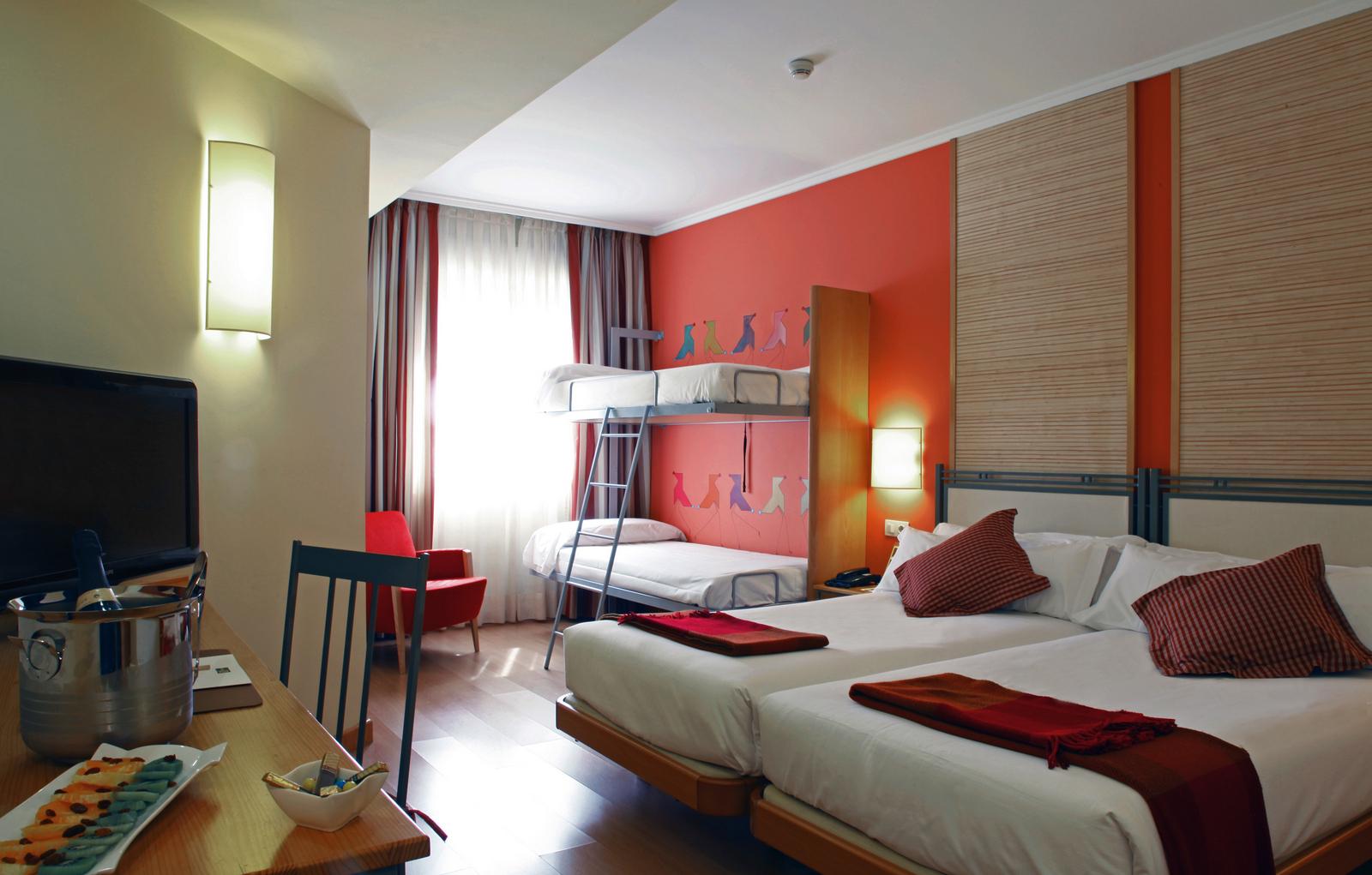 hotel t3 tirol en madrid