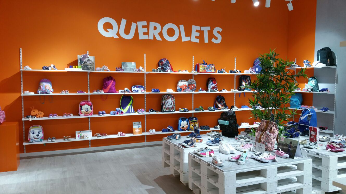 Interior de la tienda Querolets Outlet en CC Sambil de Madrid