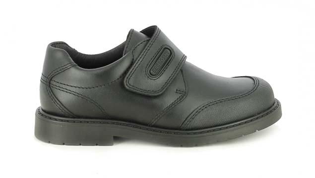 zapatos pablosky negros de piel con velcro
