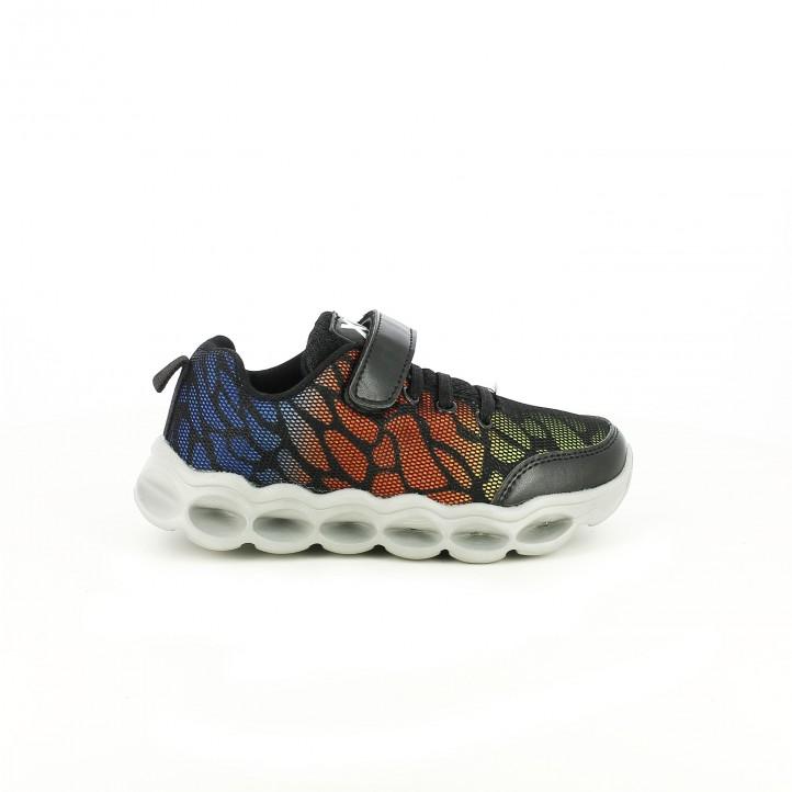 zapatillas deporte xti estampadas con suela gris